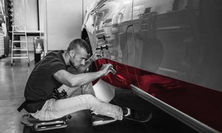 Beklebung durch Folierung (Vollverklebung) | Waschstraßenfest - hohe Umlackierungskosten entfallen - hoher Wiederverkaufswert - schnelle Ausführung | DIAS Werbung