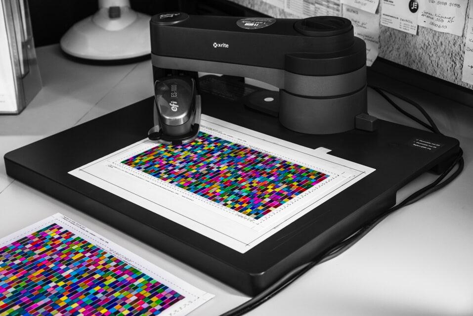 Druckerzeugnisse mit hoher Wertigkeit und überragender Qualität - Überzeugen Sie sich selbst und verschaffen Sie sich einen Überblick über unsere Leistungen! DIAS Werbung