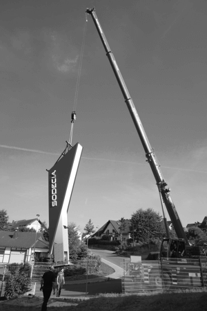 Pylone sind ein effektiver Weg, auch aus der Distanz Kunden zu bewerben und aufzufallen. DIAS Werbung fertigt diese in allen Größen und Ausführungen.