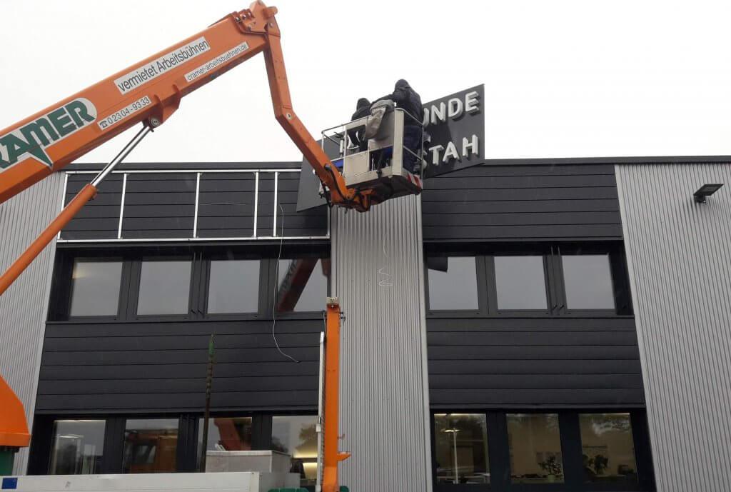 Neues Lichtdesign macht Dortmunder Blankstahl GmbH sichtbar!